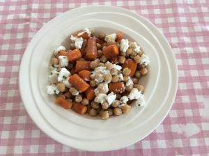 Geroosterde wortels-kikkererwten-geitenkaas