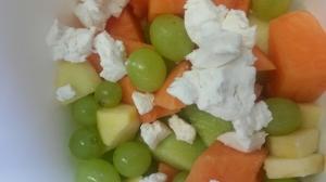 Fruitsalade met geitenkaas.jpg