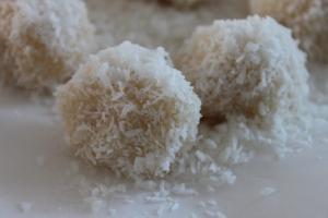 Raffaello bonbons-lovetocookhealthy