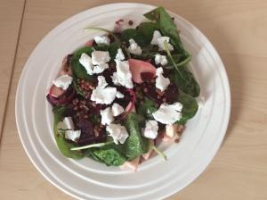 Rode bieten-spinazie-salade