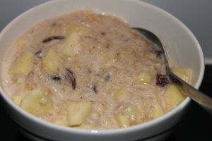 Apple-pie-oats-lovetocookhealthy