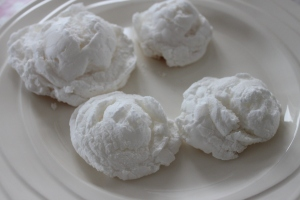 Meringues_eatonsmess_snel-lovetocookhealthy