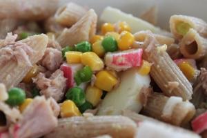 Salade-pasta-surimi-tonijn