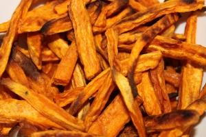 Zoete aardappel-friet