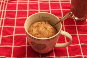 Mugcake-strawberry-lovetocookhealthy