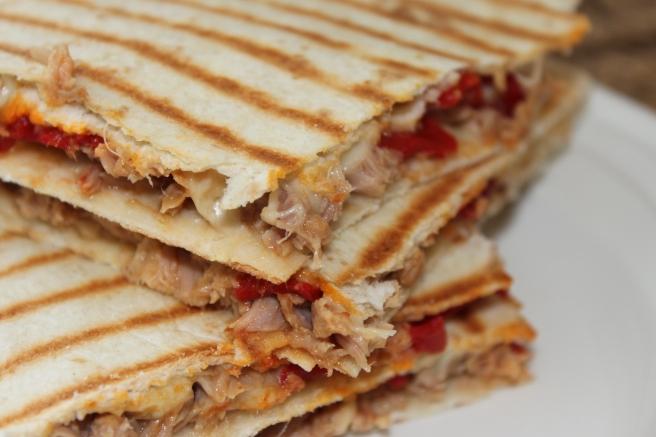 Tortilla tosti-tonijn-paprika-lovetocookhealthy (5)