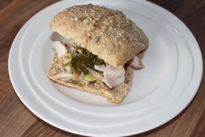 Broodje met kip en pesto-lovetocookhealthy