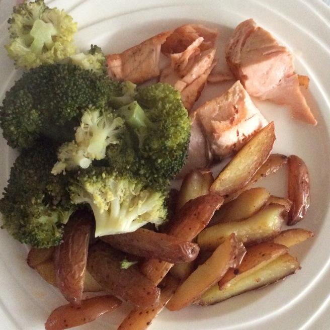 aardappels-broccolli-en-zalm-lovetocookhealthy