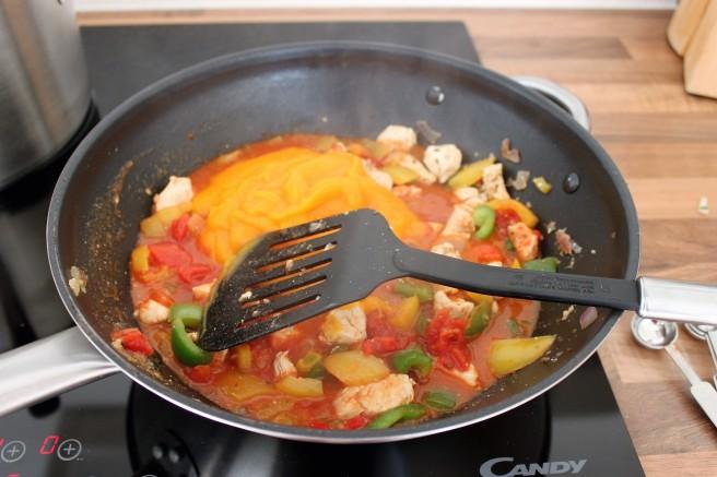 chili-met-pompoen-en-kip-love-to-cook-healthy-2