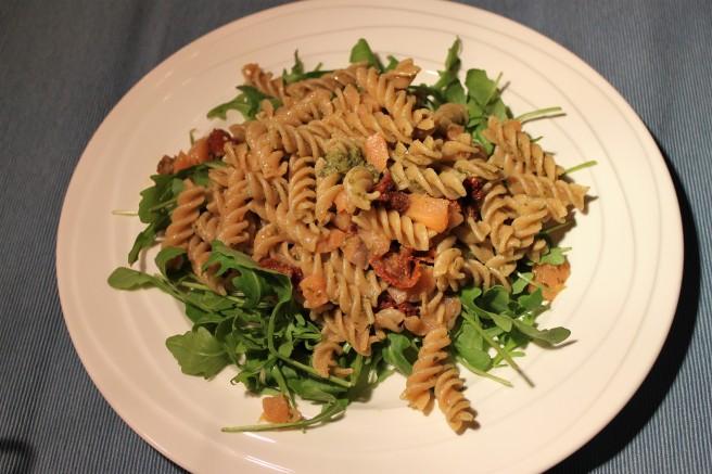pesto-pastasalade-met-zalm-lovetocookhealthy