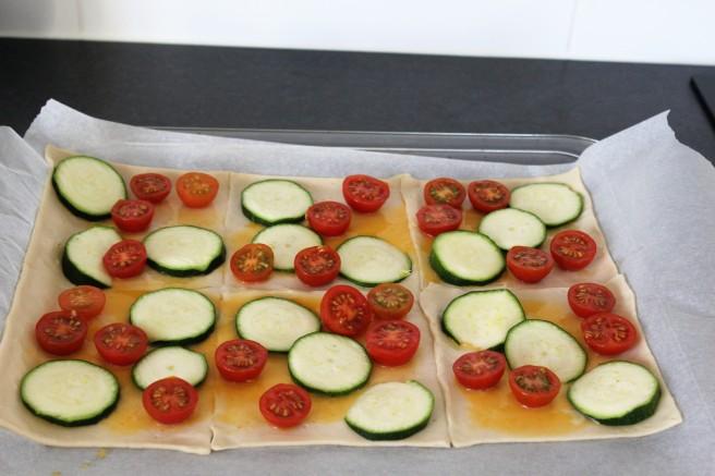 plaattaart-met-courgette-en-cherrytomaatjes-lovetocookhealthy