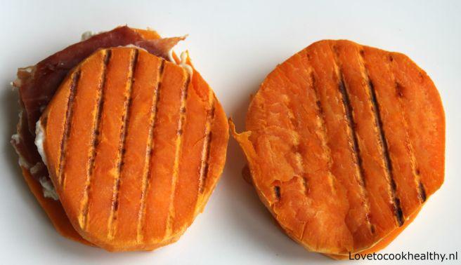 Zoete aardappel tosti